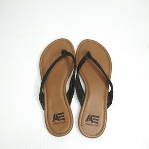American Eagle outfitters brown sandals size 6